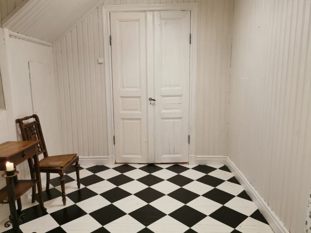 Finished checkerboard/ chessboard pattern floor
