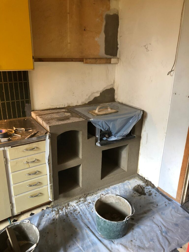 Building up wooden stove